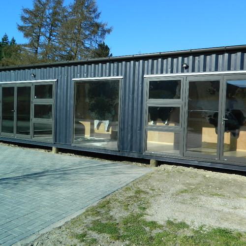 Garston display shop by Taylor Made Container Homes