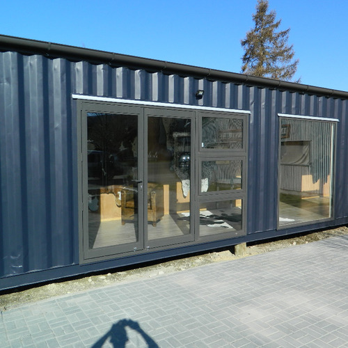 Display shop exterior by Taylor Made Container Homes